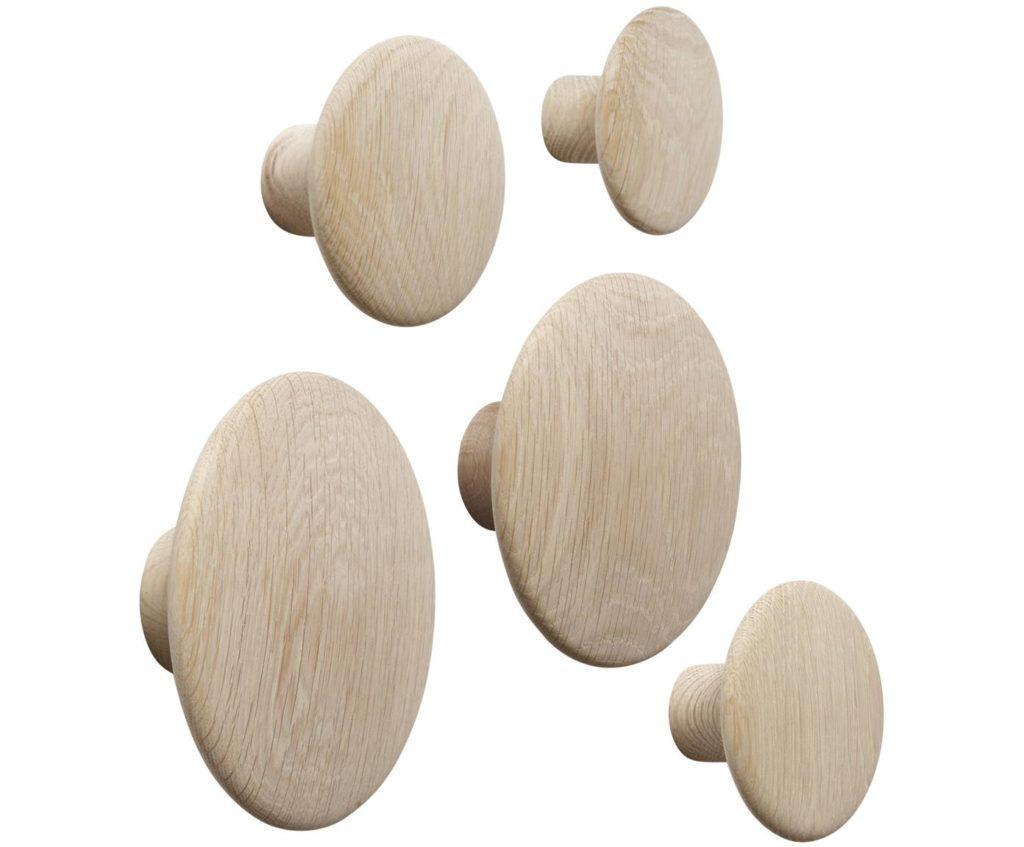 Patère bois de la marque Muuto